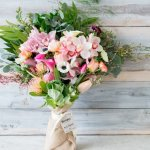 MomClone-Mother's-Day-Gift-Guide-Farmgirl-Flowers