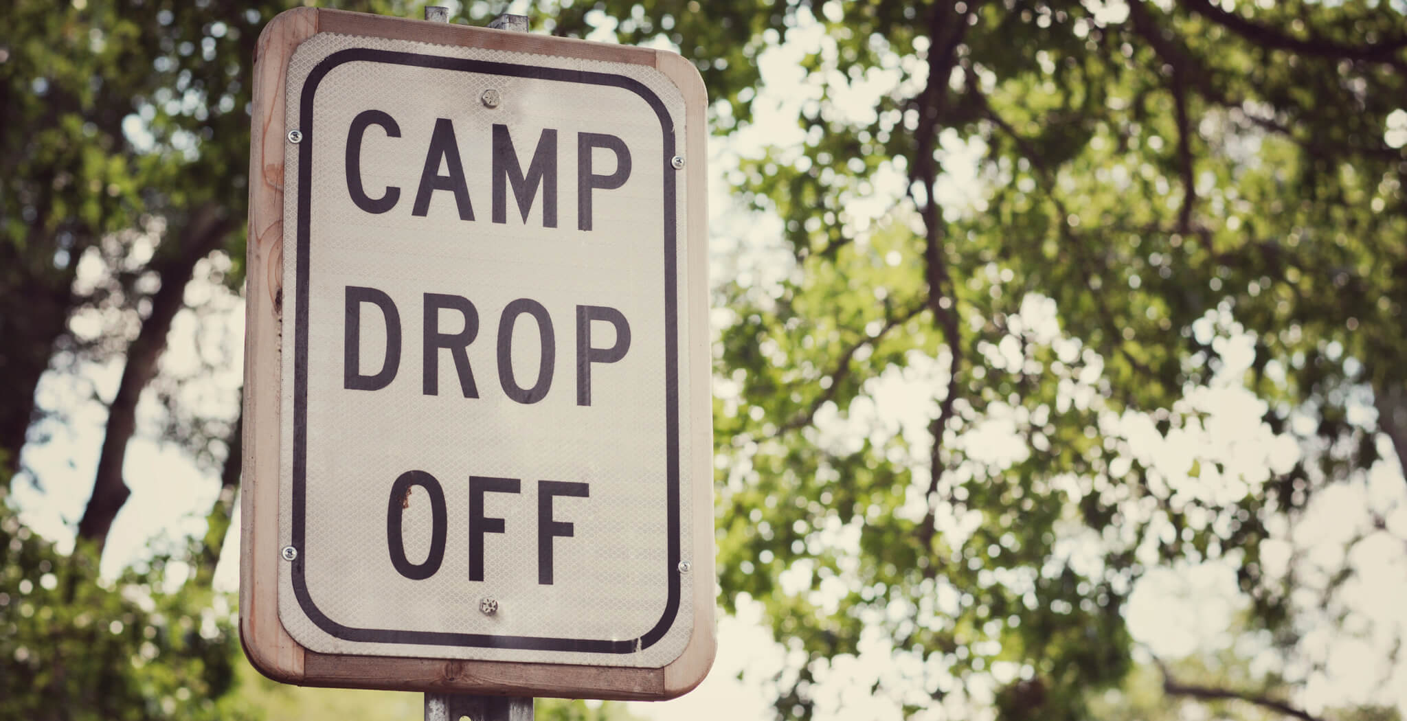 MomClone-Camp-Drop-Off-Sign-Summer-Camp-Planning
